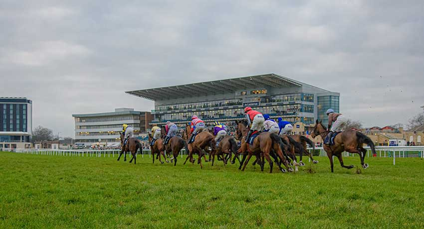 UK Racecourses to Waive Bookie Fees When Spectators Return